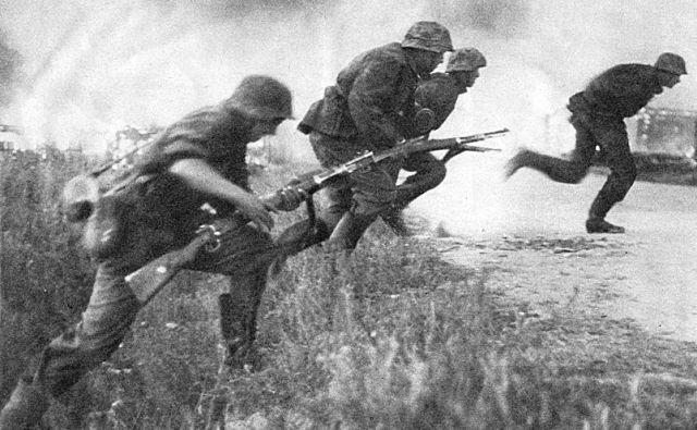 Dve leti po napadu na Poljsko je Nemčija leta 1941 napadla Sovjetsko zvezo. FOTO: Reuters