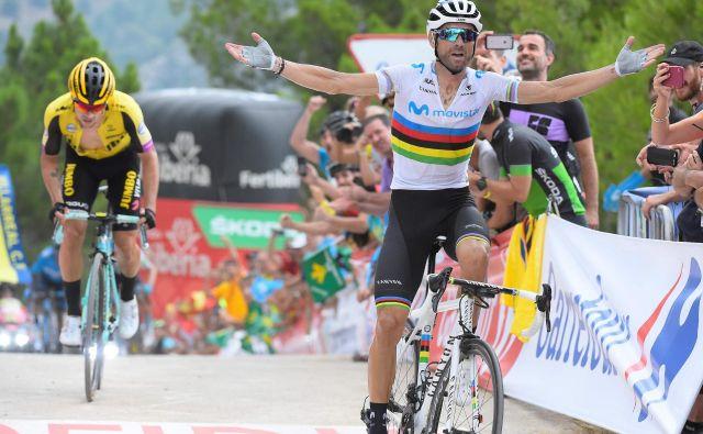 Le Alejandro Valverde (desno) je bil v zadnjih metrih 7. etape premočen za Primoža Rogliča. Foto AFP