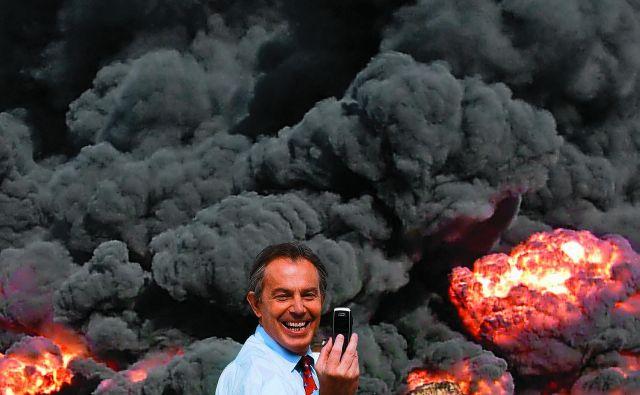 Photo Op, selfi Tonyja Blaira