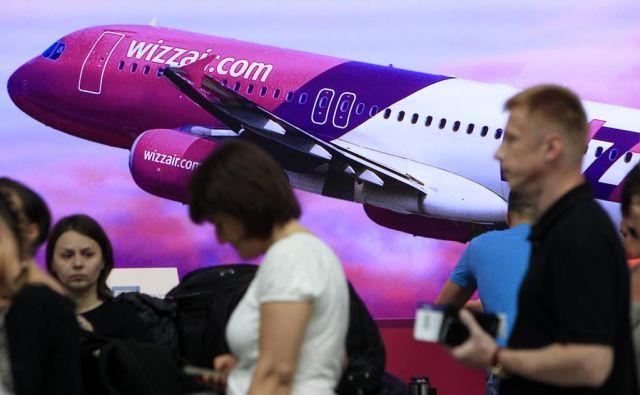 Vse lete, ki so jih potniki rezervirali po 31. oktobru, so preusmerili v Prago. FOTO: Reuters