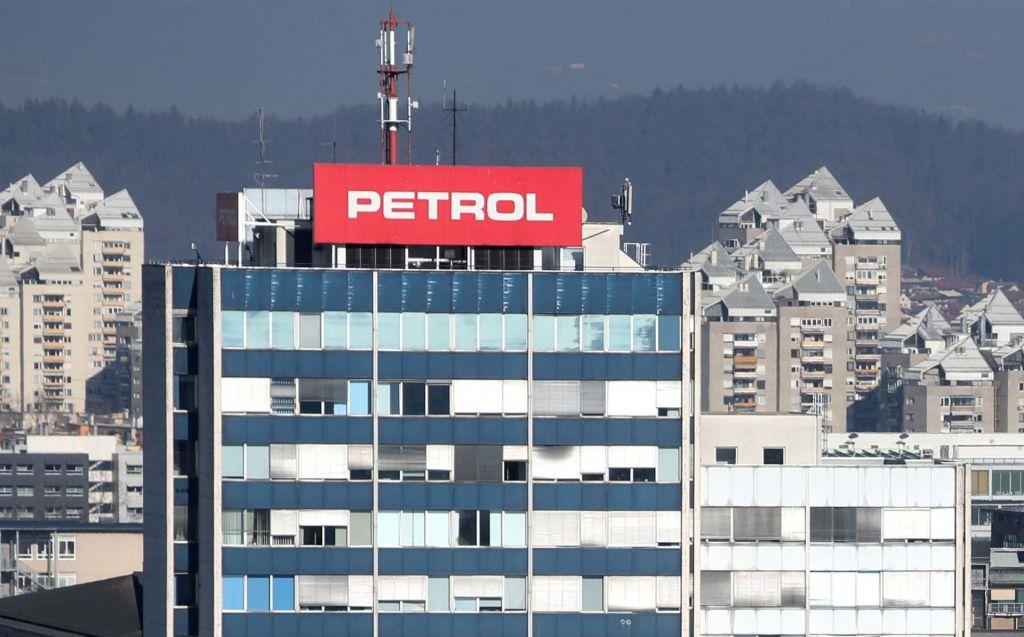 Petrol z rastjo prodaje, a nižjim dobičkom