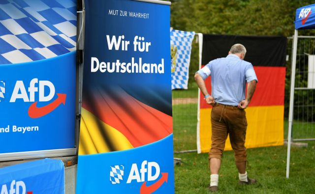 Alternativi za Nemčijo (AfD) uspel izjemen met – stranka je v obeh deželah več kot podvojila rezultat in se zavihtela na drugo mesto. Foto: Andreas Gebert/Reuters