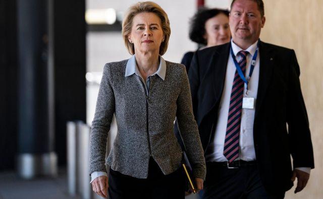 Ursula von der Leyen v teh dneh opravlja uradne intervjuje s komisarskimi kandidati. FOTO: AFP