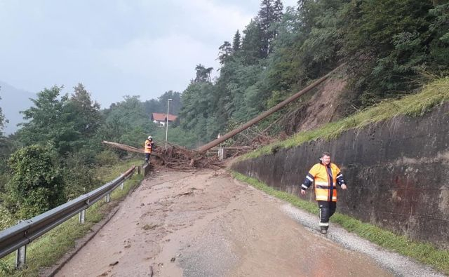 Škodo je po prvih podatkih in ocenah zagotovo večja, kot jo je povzročilo katastrofalno poplavljanje reke Drave novembra 2012. FOTO: Pgd Vuzenica/Delo