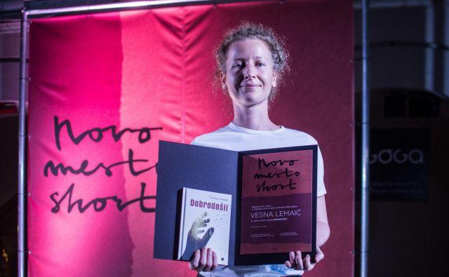 Nagrado so na festivalu Novo mesto short, ki ga organizira založba Goga, podelili Vesni Lemaić. Foto Ema Koncilija