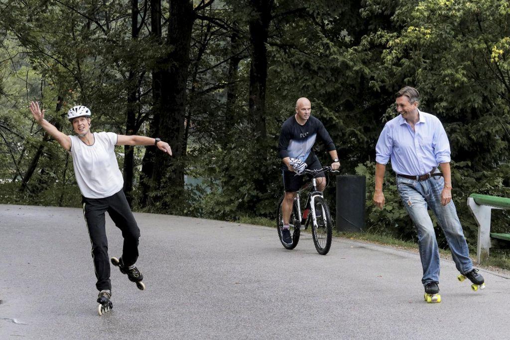Slovenski predsednik »s Kersti« kotalkal ob Blejskem jezeru