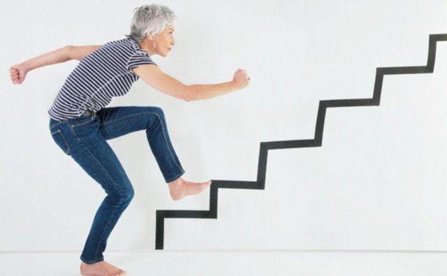 Hoja po stopnicah zahteva do devetkrat večjo porabo energije kot sedenje ali do sedemkrat večjo kot vožnja z dvigalom. FOTO: Shutterstock