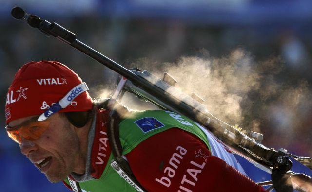 Halvard Hanevold si je na olimpijskih igrah leta 1998 v Naganu pritekel in pristreljal zlato lovoriko na posamični preizkušnji. FOTO: Reuters