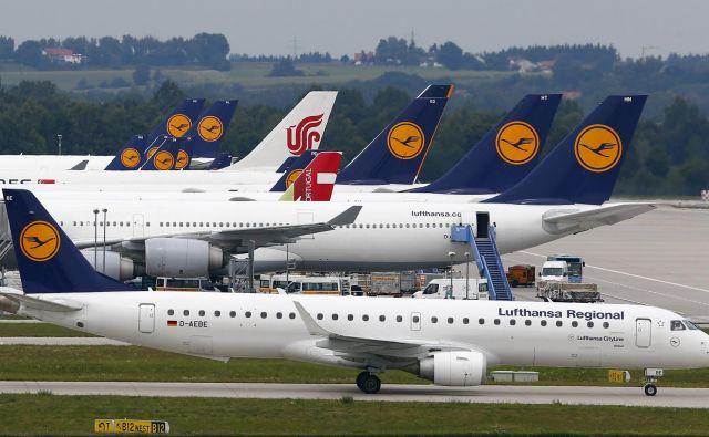 Irski letalski prevoznik Ryanair je poskušal vplivati na odločitev glede podpore Slovenije predlogu o uvedbi obdavčitve emisij ogljikovega dioksida v letalskem prometu. Foto Reuters