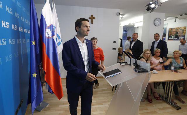 Odločitev o sredinskosti stranke, ki jo je prvak NSi Matej Tonin sporočil ob 19. obletnici ustanovitve stranke, nikakor ni bila nepremišljena, pravi. FOTO: Leon Vidic/Delo