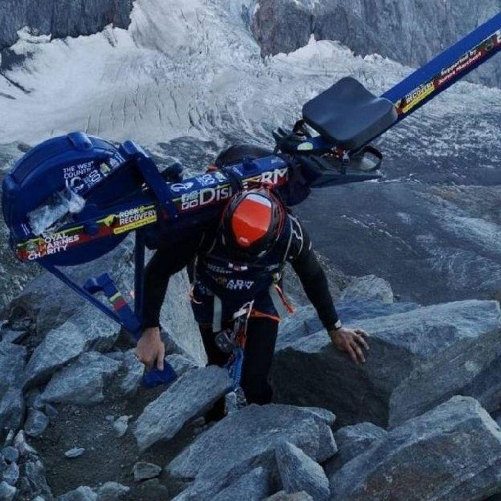 Na gori pustil napravo za veslanje:»Norci še naprej onesnažujejo Mont Blanc«