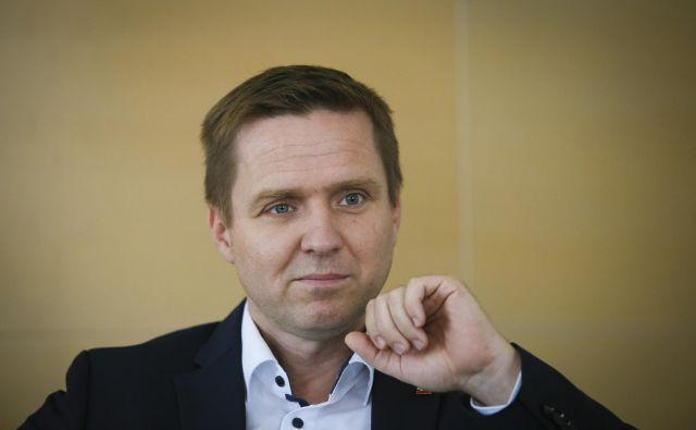 Za šibko SMC se najbolj zavzema celoten levosredinski prostor, meni vodja poslanske skupine Igor Zorčič. FOTO: Jože Suhadolnik/Delo
