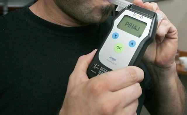 V krvi voznika so namerili 2,8 promila alkohola. FOTO: Mavric Pivk/Delo