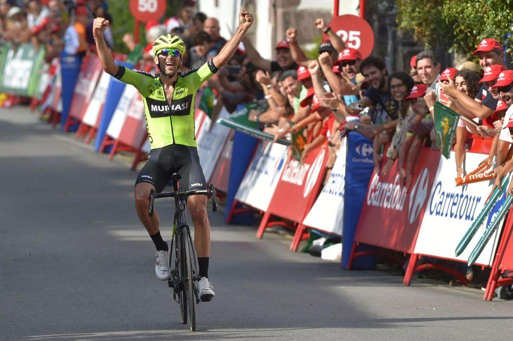 FOTO:Roglič osemnajst minut za zmagovalcem, a ostaja vodilni