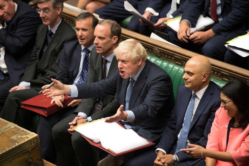Parlament za nov odlog brexita in proti predčasnim volitvam
