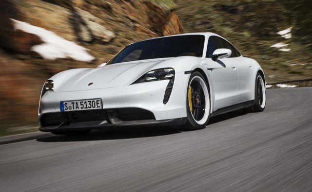 Porsche taycan bo na voljo v dveh izvedenkah, šibkejši turbo in najzmogljivejših turbo S, obe pa nudita odlične pospeške. Foto Porsche