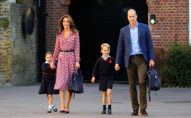 O šestletni Charlotte se govori, da je kot izrezana prababica, kraljica Elizabeta II. FOTO: Pool New/Reuters