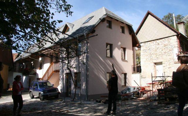 V predhodnih postopkih je še 108 objektov, a v DTP sklepajo, da jih najmanj 30 ne bodo obnovili. Foto Blaž Močnik