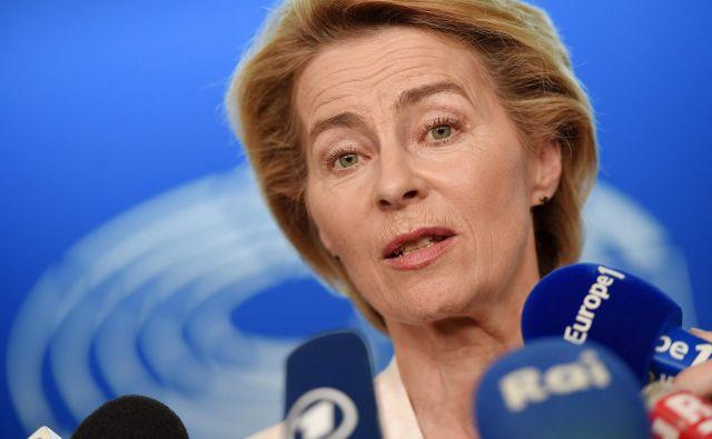 Von der Leynova opravlja zadnje intervjuje s kandidati za komisarje in zlaga kadrovsko sestavljanko. FOTO: AFP