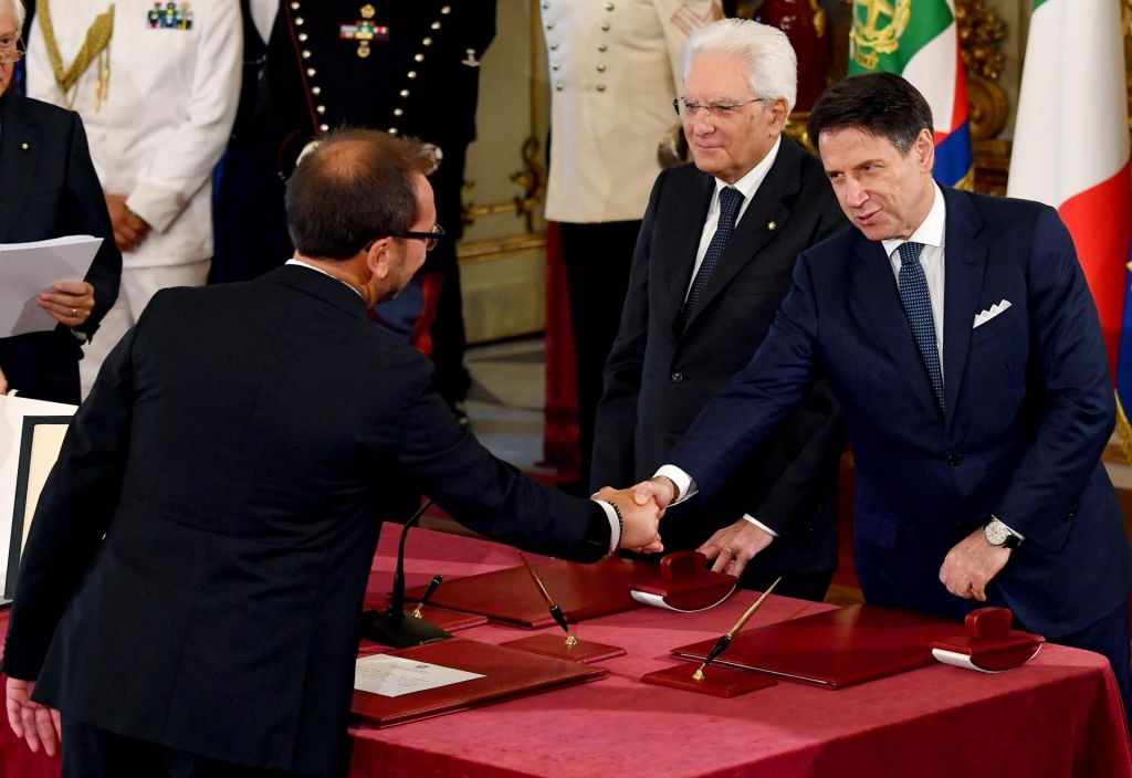 V Rimu prisegla nova Contejeva vlada