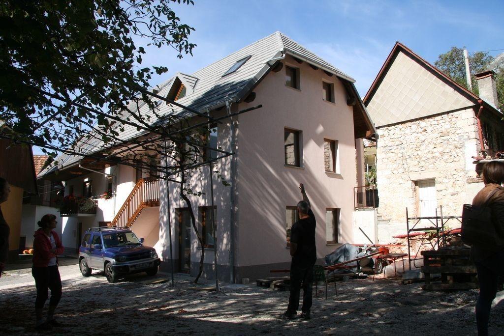 Gradbenikov popotresna obnova ne zanima