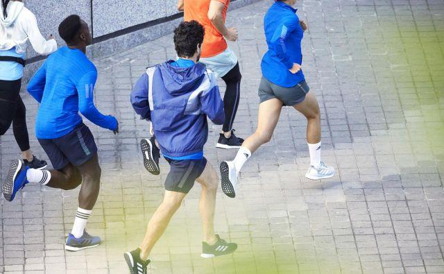 Najnovejši adidasovi tekaški copati <strong>SolarBoost </strong>in SolarDrive bodo v jesenski tekaški sezoni popolna izbira vsakega športnega navdušenca, ki kilometre najraje nabira na urbanih trasah. Foto:Ben Clement