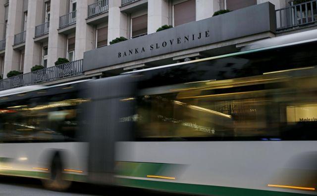 Razlaščeni lastniki podrejenih obveznic in delnic bank želijo vložiti odškodninske tožbe zoper Banko Slovenije.<br /> FOTO: Blaž Samec/Delo