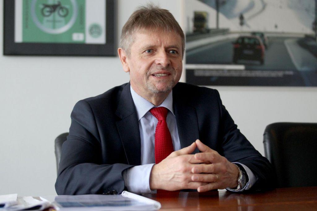 FOTO:Kadrovske rošade za upravljanje milijard evrov