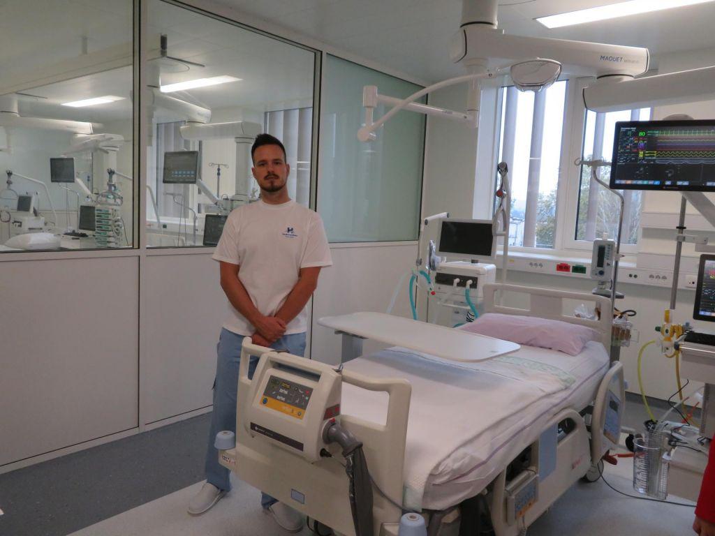 FOTO:Novomeška bolnica z dvema novima centroma