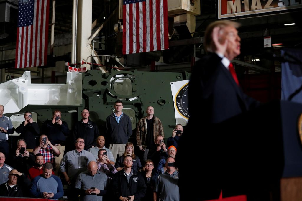 FOTO:Trumpove trgovinske vojne na preizkušnji