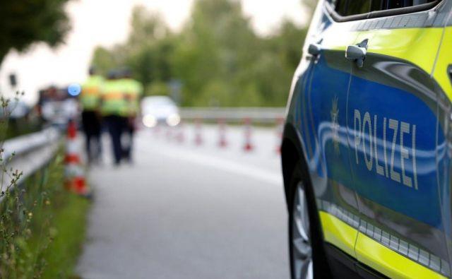 Policisti so zaradi razjasnitev okoliščin dogodka zaslišali več prič. FOTO: Reuters
