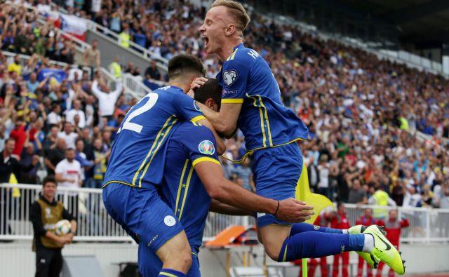 Kosovo je po zmagi proti Češki in 15. zaporedni tekmi brez poraza zajela nogometna evforija. FOTO: Reuters