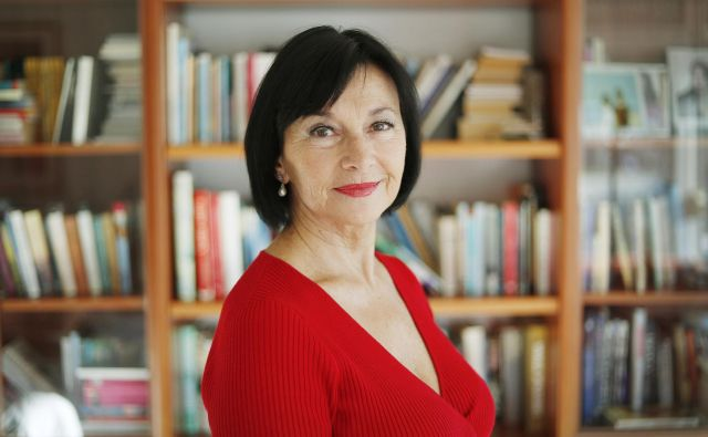 Azra Širovnik, pisateljica. Brezovica, 11. december 2018 Foto Leon Vidic/delo