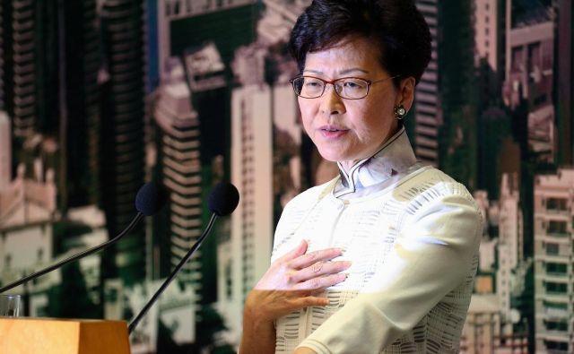 Carrie Lam ima močno podporo Pekinga in tudi hongkonškega kapitala. FOTO: Reuters
