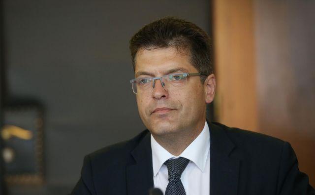 Janez Lenarčič je v pogovoru z bruseljskimi dopisniki izrazil zadovoljstvo z resorjem kriznega upravljanja. FOTO: Leon Vidic/Delo