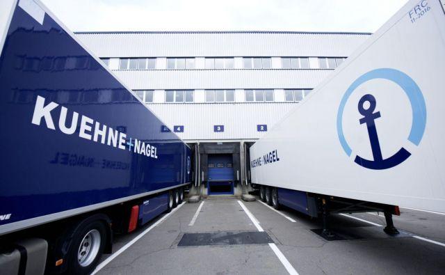 Švica je postala eden večjih trgovinskih partnerjev Slovenije, potem ko je Kuehne + Nagel na Brniku odprl skladišče s farmacevtskimi izdelki za Novartis. Foto Arhiv Podjetja