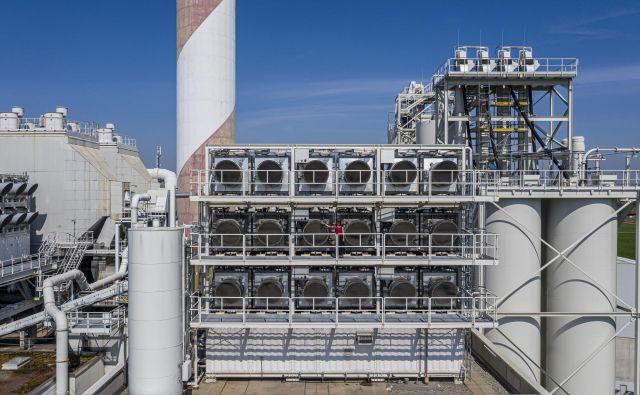 Naprave za zajemanje CO2 neposredno iz zraka na strehi sežigalnice odpadkov v Hinwillu
