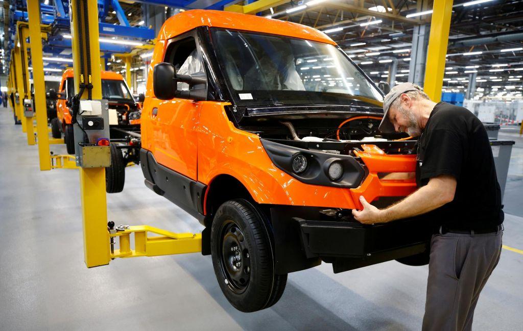 Nemški izvoz julija nepričakovano okreval