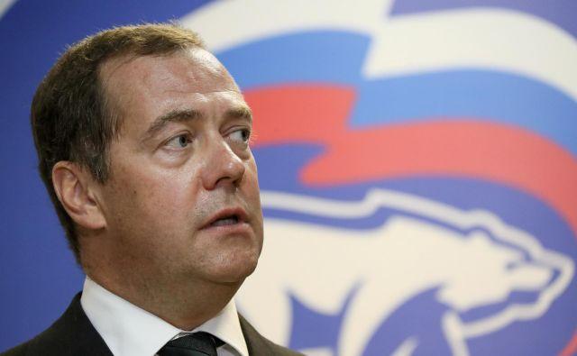 Premier Rusije Dmitrij Medvedjev je spomnil na dobre odnose vzhodne velesile s Slovenijo in slovenskega kolega Marjana Šarca pobaral, kako namerava pomagati pri reševanju Agrokorja. FOTO: Reuters