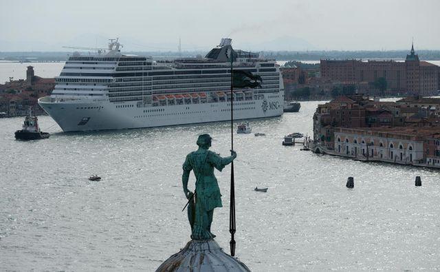 Turizem je prerasel v vodilno globalno gospodarsko panogo. FOTO: Manuel Silvestri/Reuters