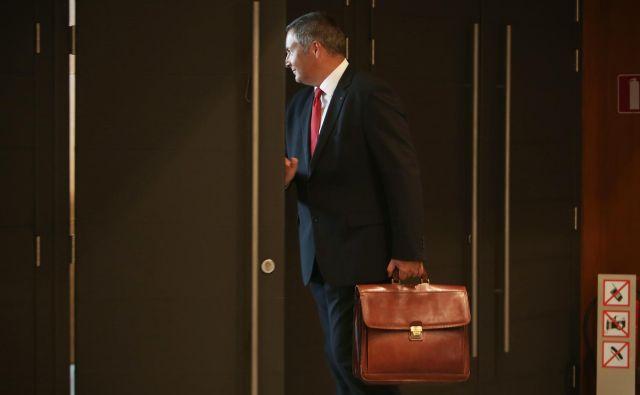 Dejan Židan zavrača špekulacije, da si z obiski javnih prireditev pripravlja teren za naskok na položaj predsednika države. FOTO: Jure Eržen/Delo