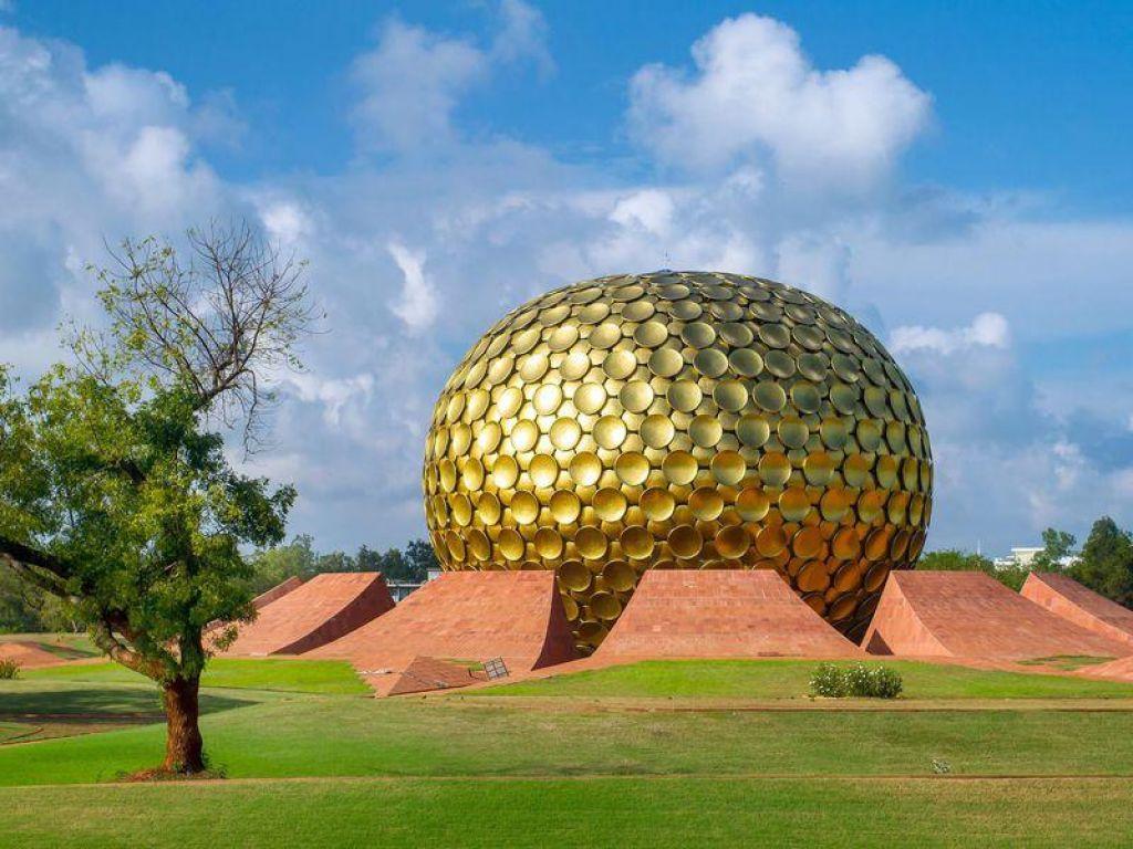 TV namigi: Auroville – utopiji naproti, Terminator: Odrešitev in Preverjeno