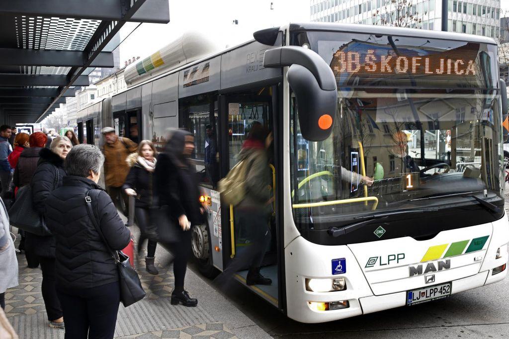 33 novih mestnih in primestnih avtobusov
