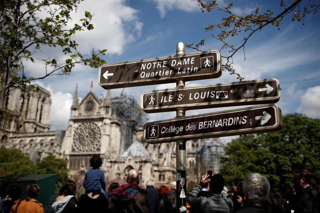 FOTO:Kako nas množični turizem nosi s seboj