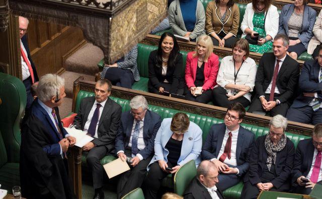 Britanski parlament je v ponedeljek uradno odšel na enomesečni prisilni odmor. FOTO: Reuters