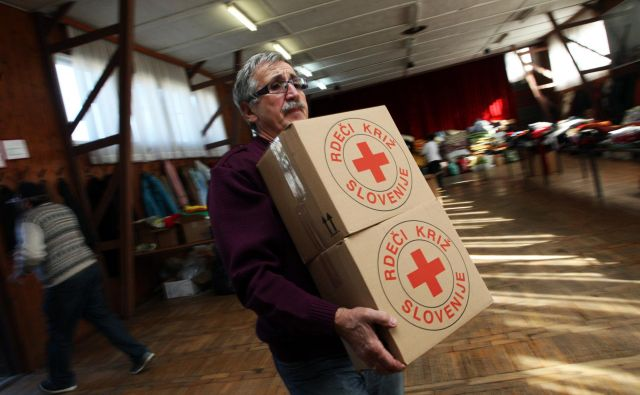 Dodatek za prostovoljstvo nevladne organizacije podpirajo, nekateri pa ga problematizirajo. FOTO: Tadej Regent