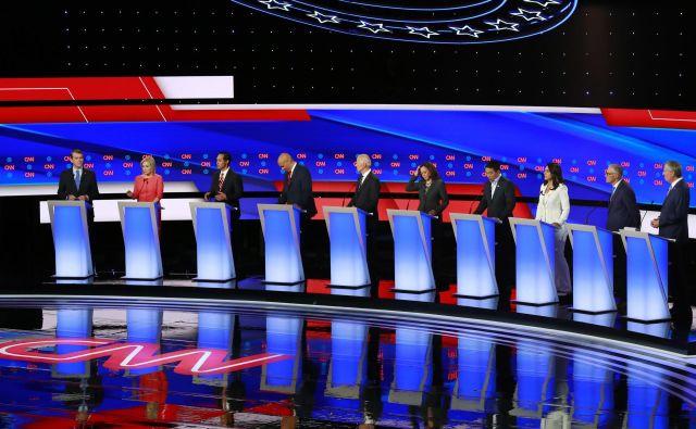 Nocoj se bo predstavilo deset demokratskih predsedniških kandidatov. Foto: Reuters
