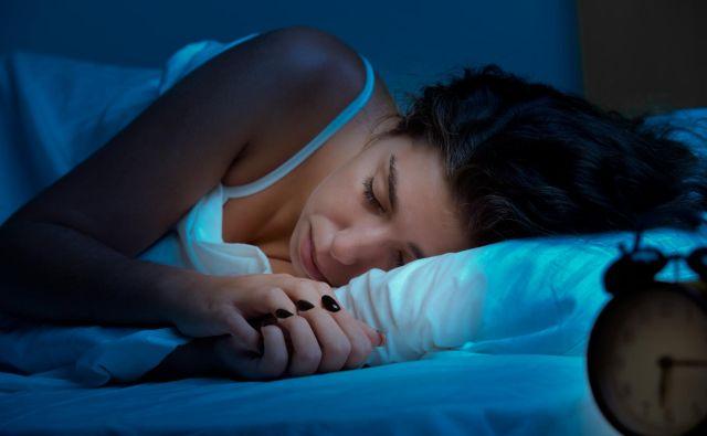Zares moje so le tiste ure, ko spim. Če so mi zvezde naklonjene, mi jih uspe nabrati osem. FOTO: Shutterstock