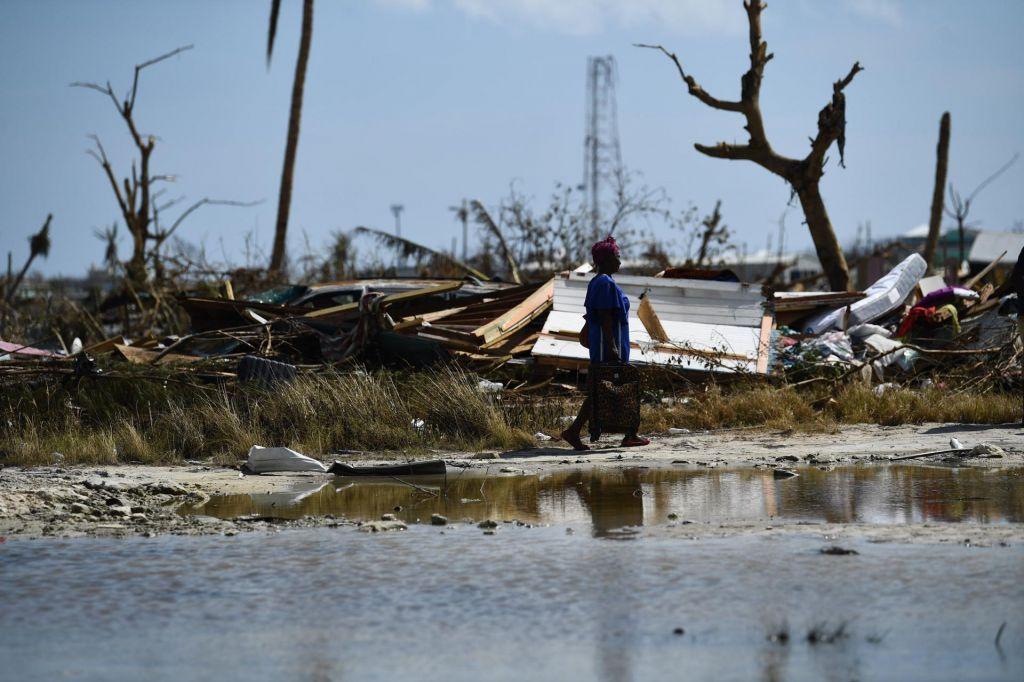 FOTO:Po divjanju orkana na Bahamih pogrešajo 2500 ljudi