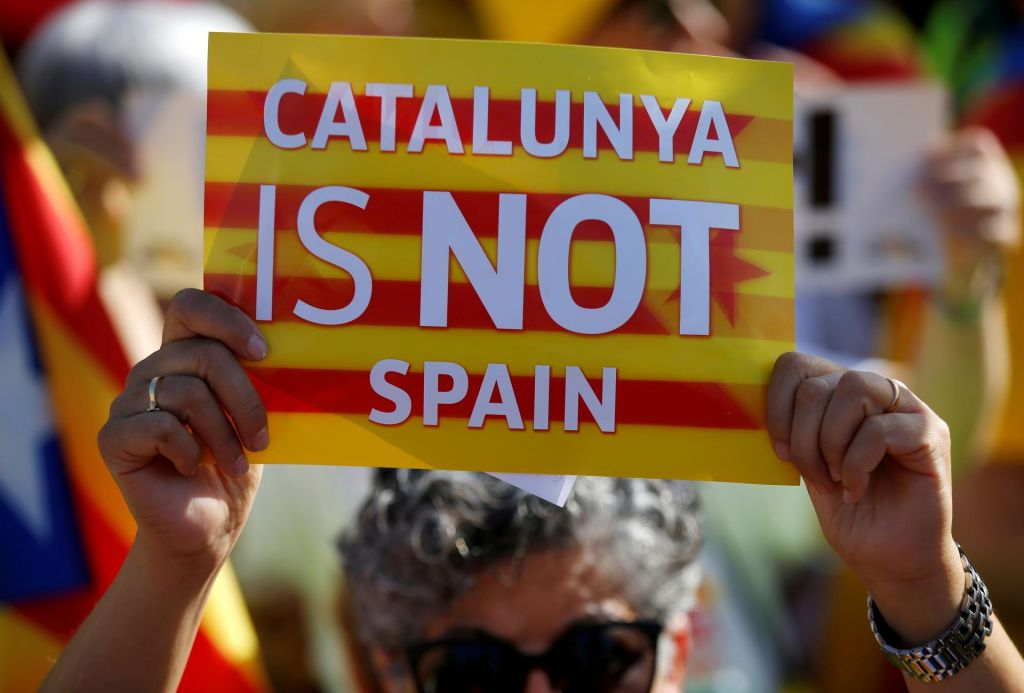 Katalonci se povezujejo, da bi bili vidni tudi z neba